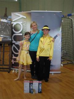 Ola i Paweł ze swoim choreografem Grażyną Kuźmińską