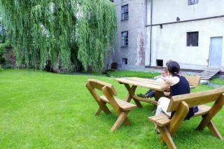 tu można odpocząć w ciszy ogrodu
