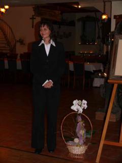 Kwiaty również dla organistki pani Katarzyny Długosz
