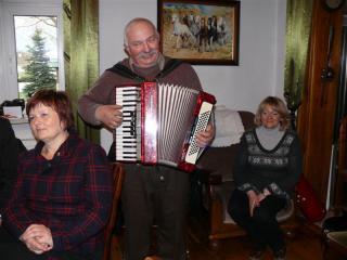 Wspominanie starych czasów podczas wspólnego śpiewania