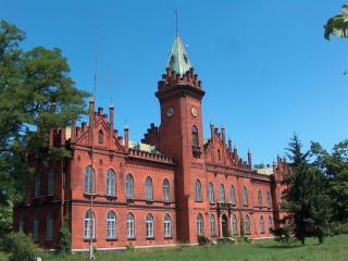 Budynek dyrekcji dawnych Zakładów Naprawczych Taboru Kolejowego (Medium).jpeg